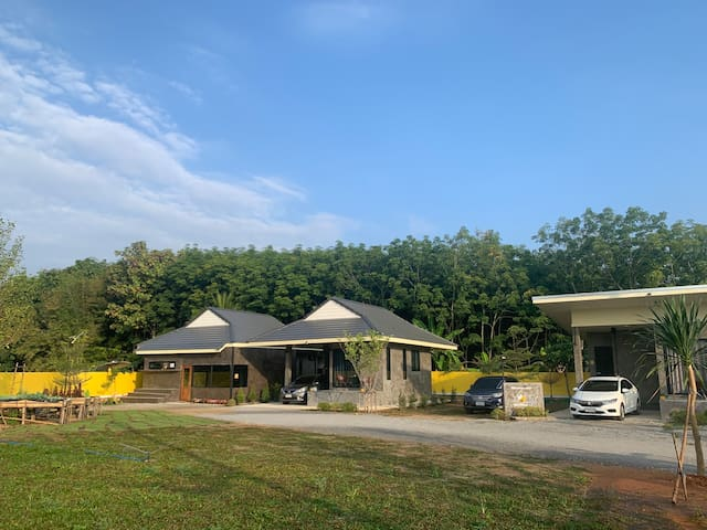 Entire House Near City and Airport Chiang Rai (2)