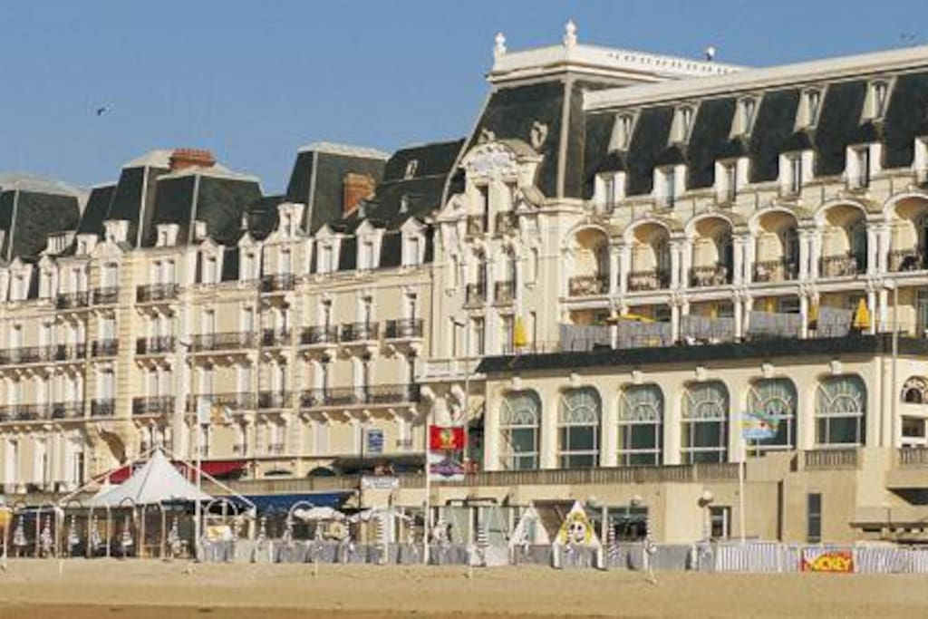 R sidence du grand hotel acc s direct plage for Chambre 414 grand hotel cabourg