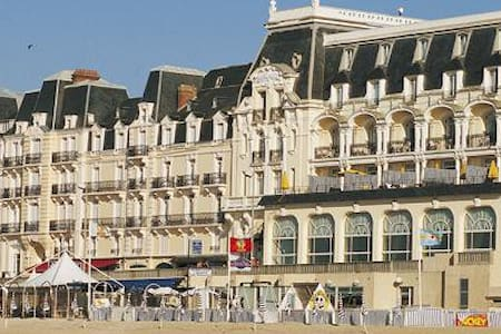 Résidence du grand hotel, accès direct plage - Cabourg - Wohnung