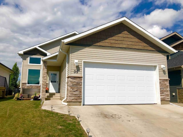 Quiet Southwood home with private room.