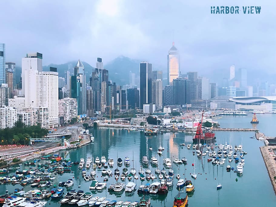 Harbor view from the bedroom and living room 海景房和海景客厅