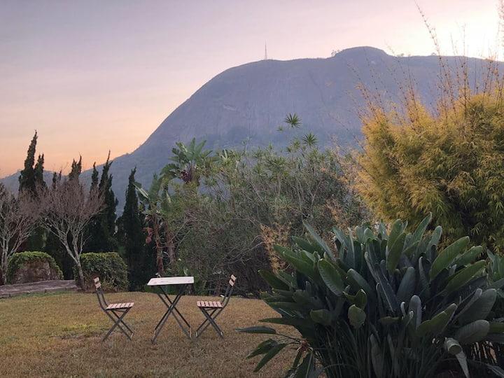 Casa espaçosa com vista inesquecível da montanha.
