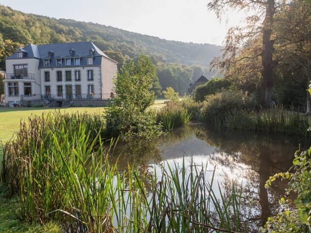 privé kasteelkamer Maasvallei in Ardennen