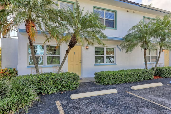 BeachTrail Lodging , Apartment 1