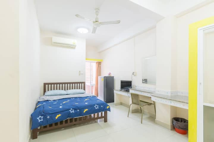 Comfy Double Room at Ladda Place