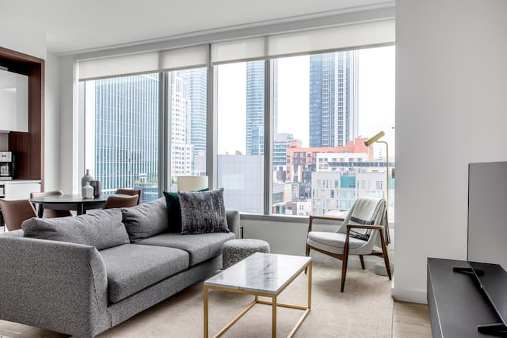 Roomy Rincon Hill 1BR w/ Gym, Rooftop, Hot Tub, nr. SV by Blueground