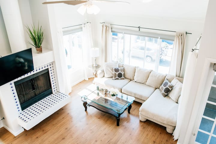 ☀MB House by Sand Sleeps 10+opt guesthouse for 4!!
