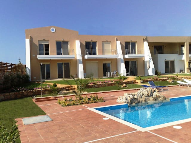 Luxury apartment with sea view & pool - Sternes - Flat
