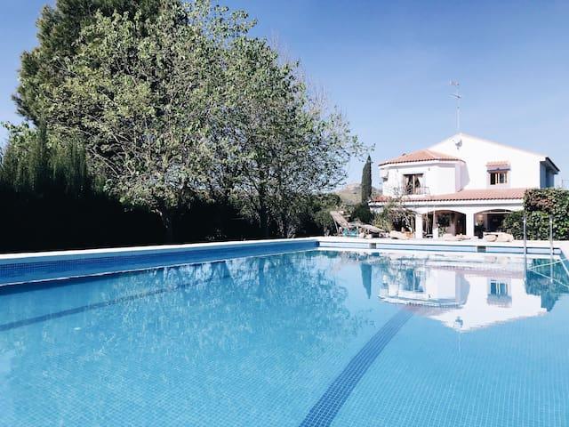 Charmante villa avec piscine 5 chambres Valencia !