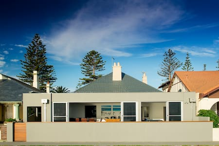 Henley Beachside Beauty - Henley Beach South