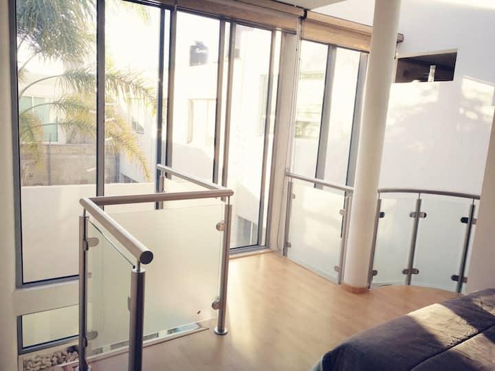 Habitación nueva minimalista