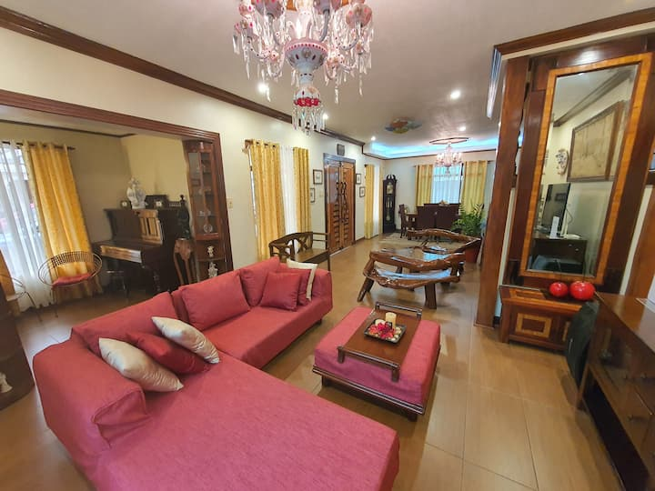 4BR House for Family w/ Unli WIFI for 6+ Guests