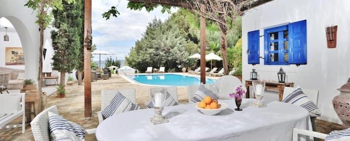 Blue Sapphire Villa with private pool