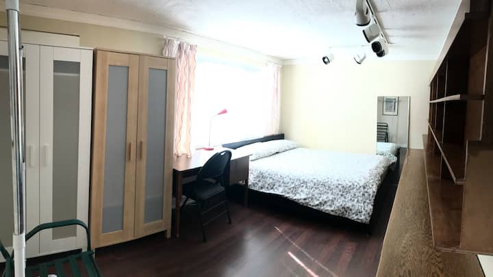 Yorkmills  bright room queen size
