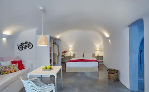 Isalos Cave Suite - Naftilos Houses