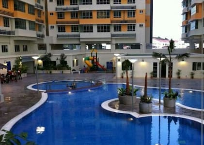 3 bedroom apt. with swimming pool - Shah Alam - Serviced apartment