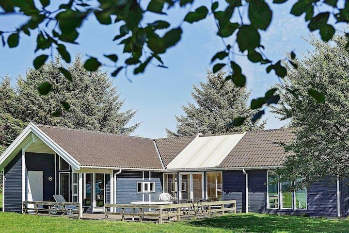 Modernes Ferienhaus in Bornholm mit Sauna
