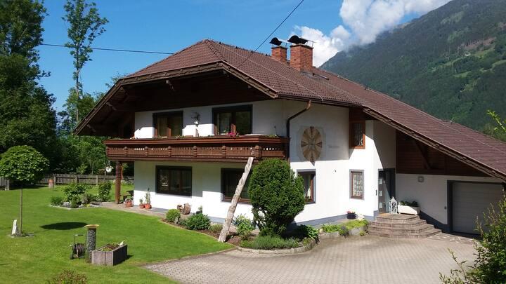 Freundlich, sonnig, ruhig - Wohnung mit Bergblick