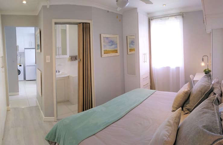 G017F: Private flatlet, WiFi - taking bookings now
