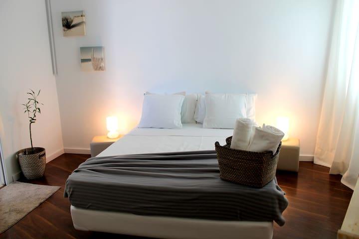 Acogedora Habitación en el corazón de Ruzafa - València - บ้าน