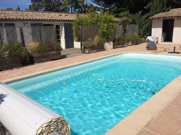 """Maisonnette avec piscine """"La Verte"""""""