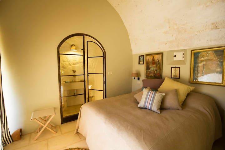 Camera Matrimoniale A Grottaglie.Appartamento Millepiedi Masseria Celano Puglia Villas For Rent