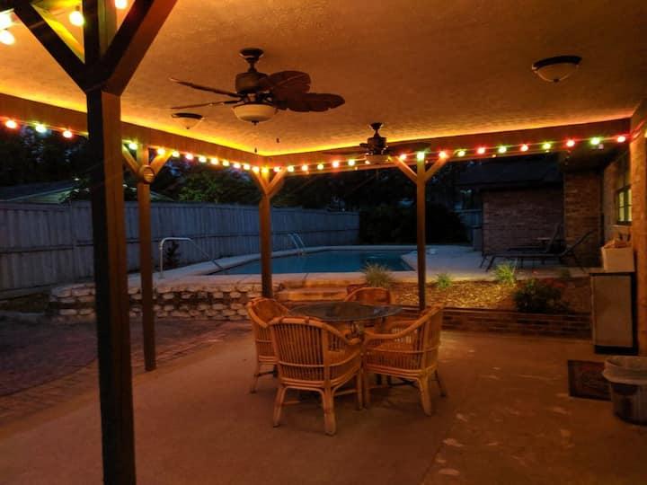 Feel like at home in quiet neighborhood w/pool