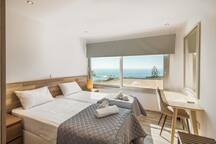 Twin Bedroom with Sea View (2)