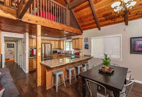 Black Bear Lodge & Optional Bunkhouse Cottage