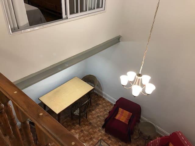 Amplio Depto (60 mts.) en Recoleta. 2 dormitorios.