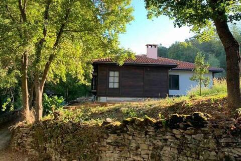Твоят Дом в Балкана! Ритрийт за ценители...