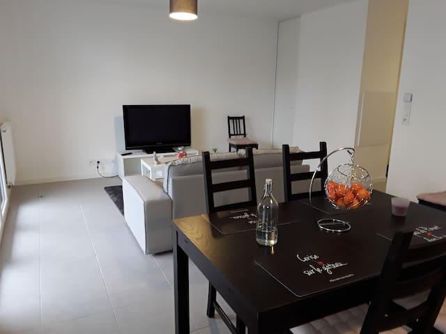 APT T3 TOUT ÉQUIPÉ AVEC PARKING PRIVATIF - Bayonne - Apartmen