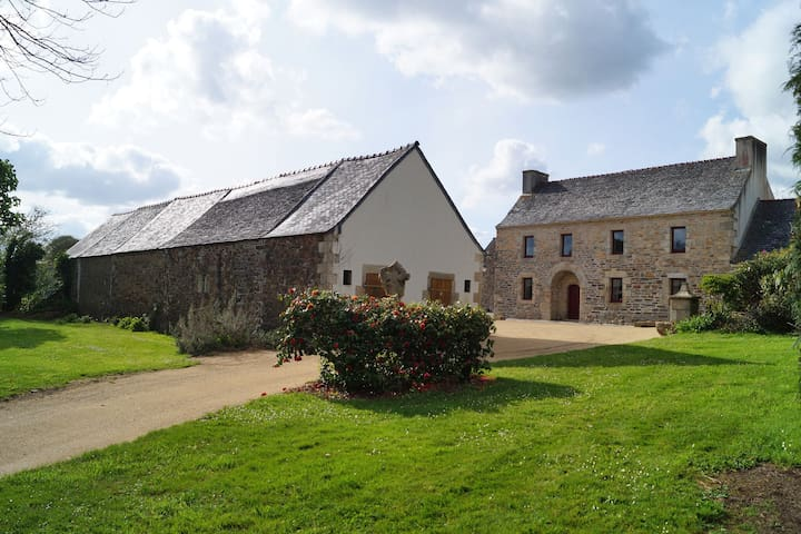 Casa vacanze tranquilla a Plouigneau con giardino privato