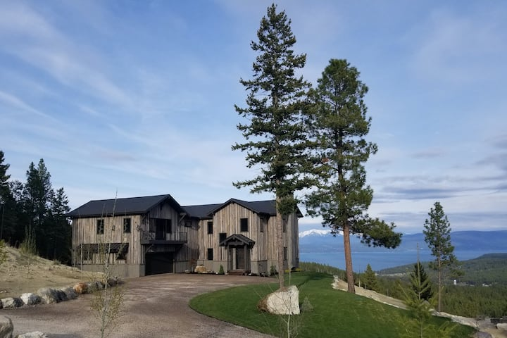 Gorgeous lake view cabin w/ a game room & fireplaces - near Blacktail Mountain
