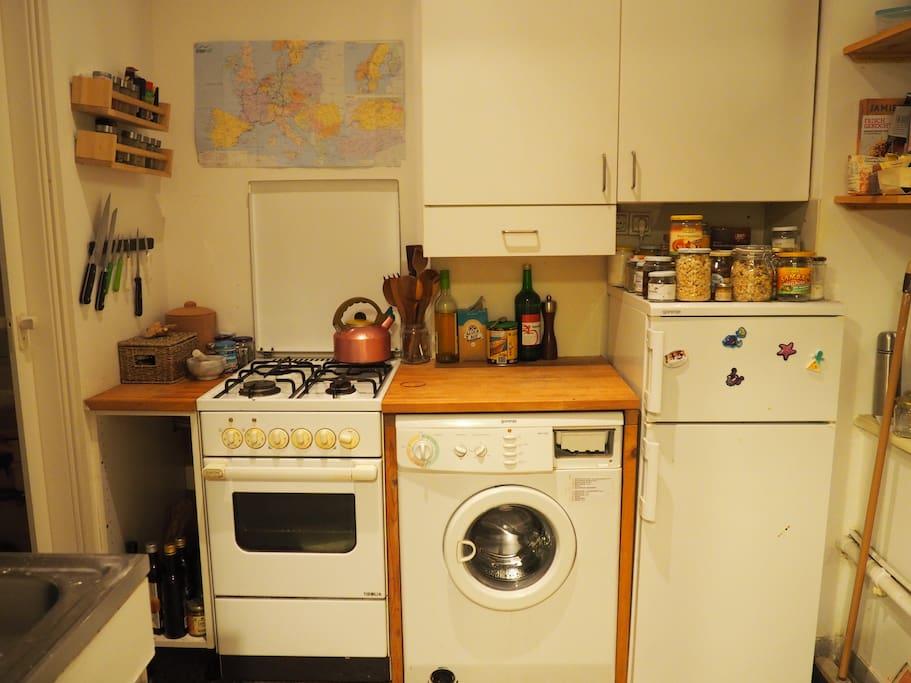 Kitchen and washing mashine