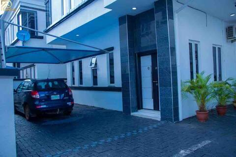 Affordable luxury Kim home(in 5bedroom duplex)