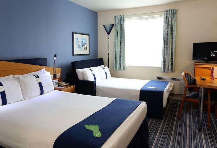 Room in Holiday Inn Express town center cheltenham - Cheltenham - Outro