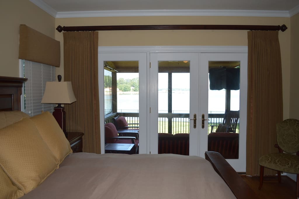Master bedroom, King bed, private patio with Lake View