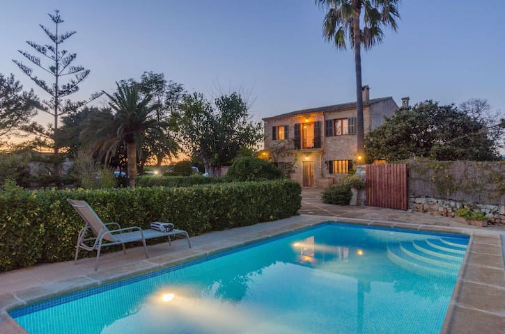YourHouse Son Ramon Llull, villa in Majorca East with pool for 6 guests