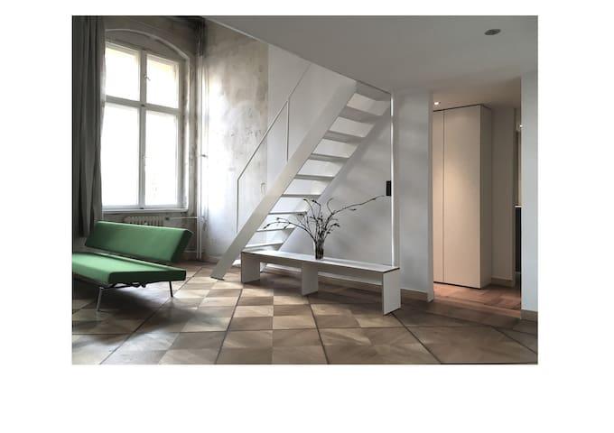 Beletage Altbau Loft Studio Mitte