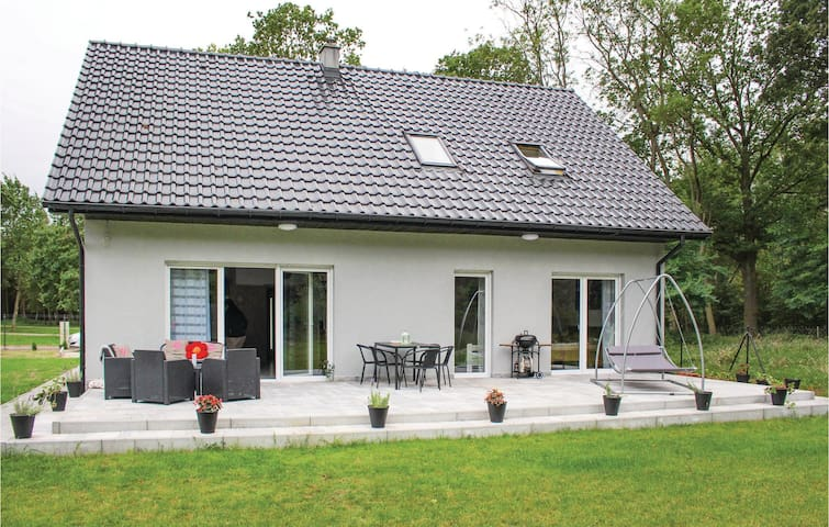Holiday cottage with 3 bedrooms on 135 m² in Nowe Warpno