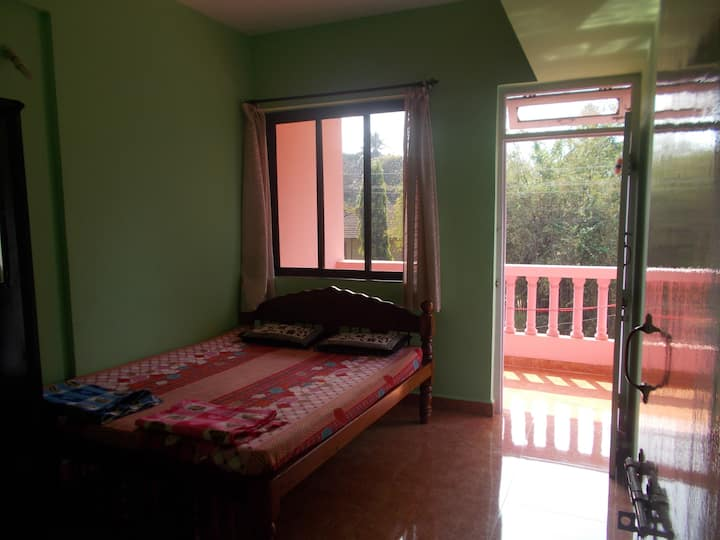non ac 2BHK apartment - clean and comfortable!