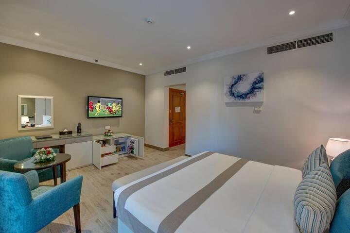 AMAZING BRAND NEW HOTEL ROOM BEHIND EMIRATES MALL