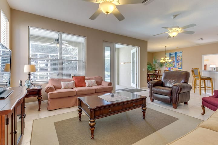Lakefront private community home w/ heated pool & private dock!