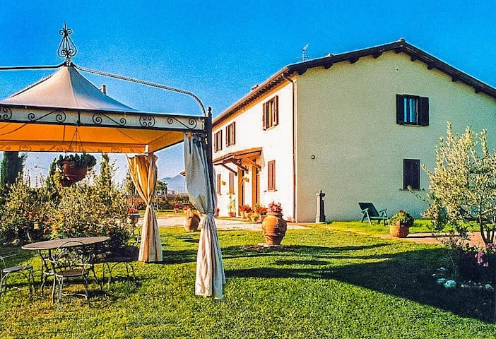 Peaceful Retreat Amidst The Hills of Umbria