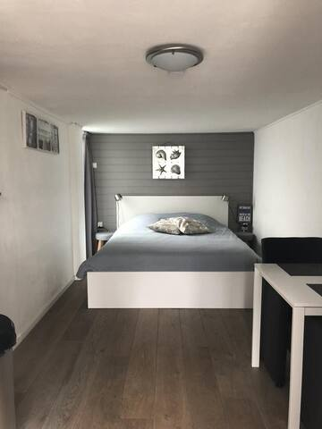 Four seasons hotel apartment