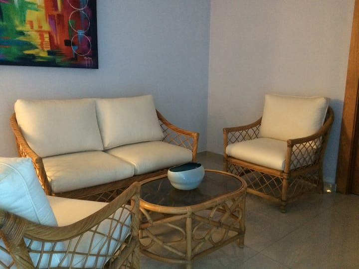 3 Bedroom Apt with Wifi and AC