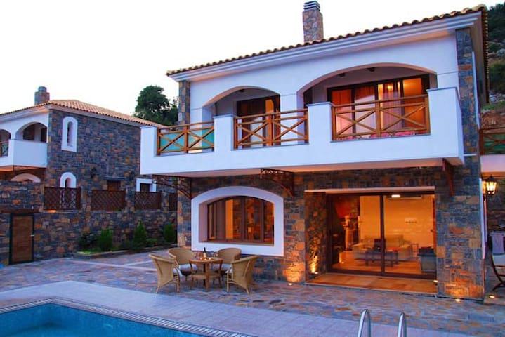 Villa Nicoletta - Prina - Ház