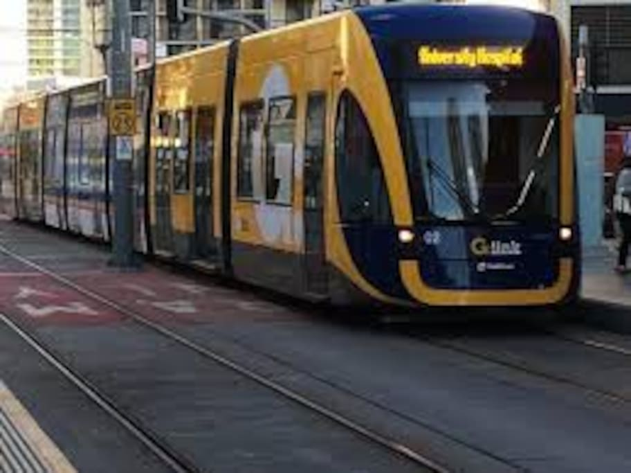 5 Minute walk to the Tram