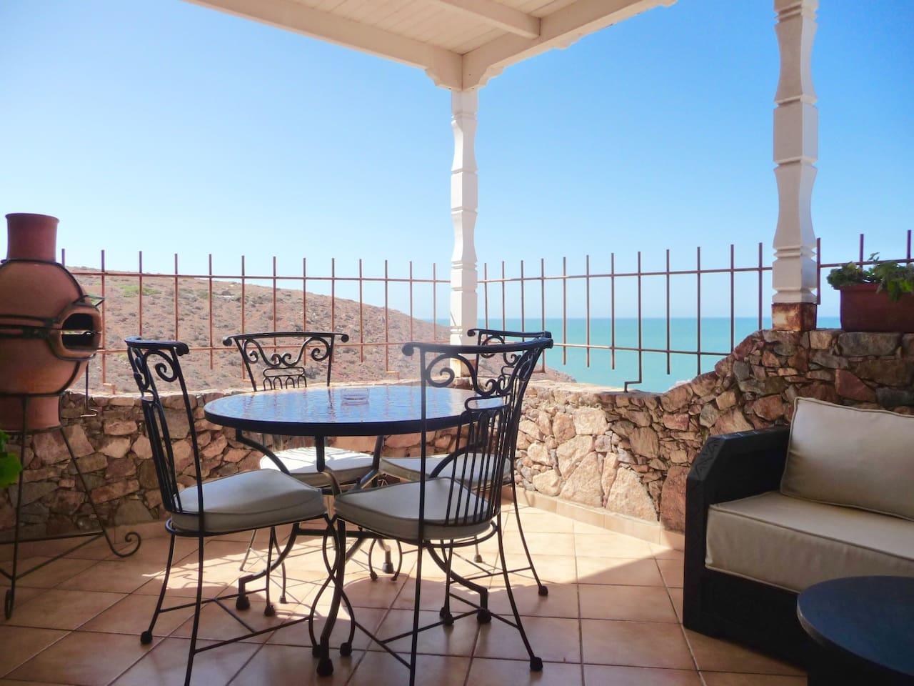 Votre terrasse de la mer / Your terrace by the sea